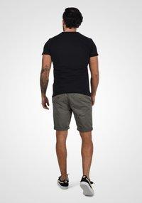 Blend - BRUNO - Shorts - granite - 2