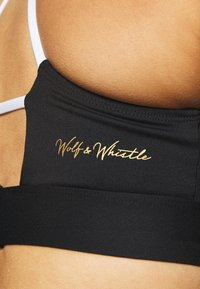 Wolf & Whistle - V NECK SPORTS BRA WITH TRIANGLE BACK DETAIL CORE - Sujetador deportivo - black - 5