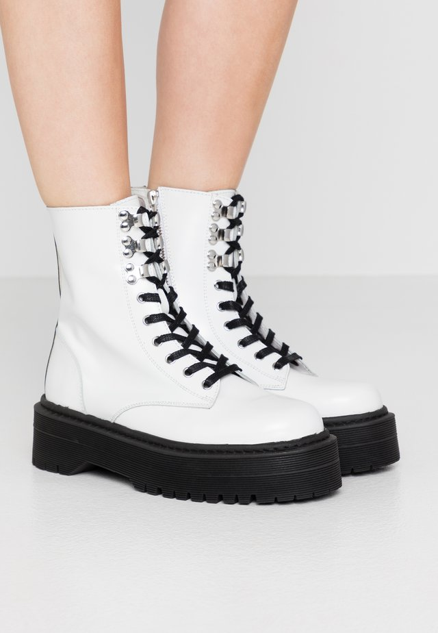 Bottines à plateau - white
