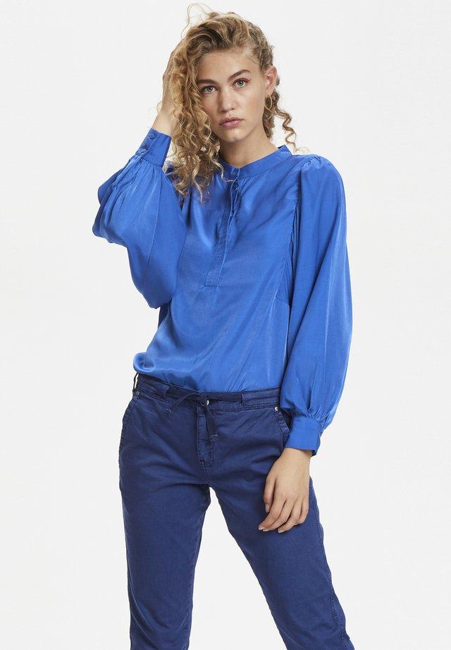 Blouse - dazzling blue