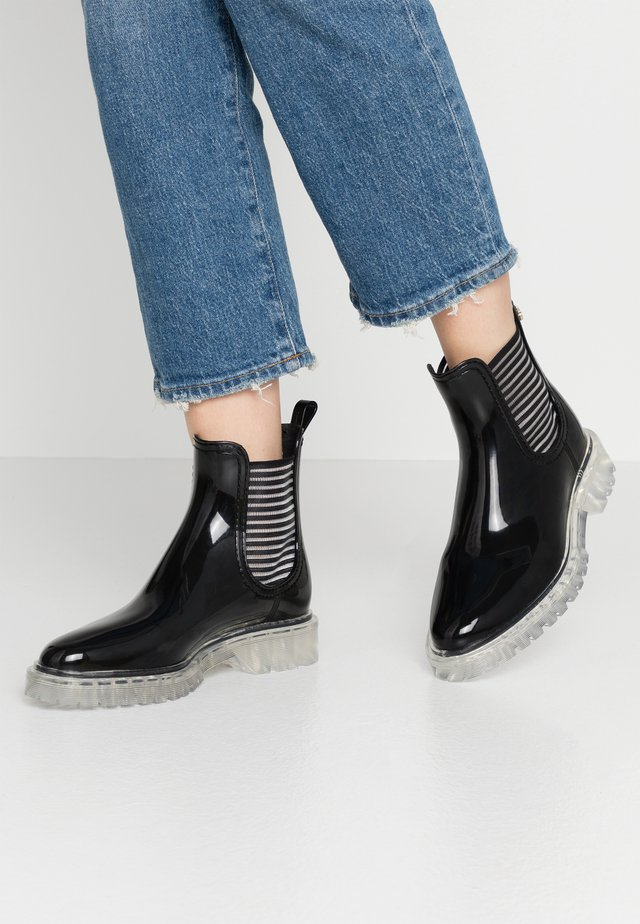 ALEXIS - Botas de agua - black