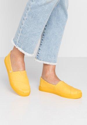 ALPARGATA - Nazouvací boty - yellow