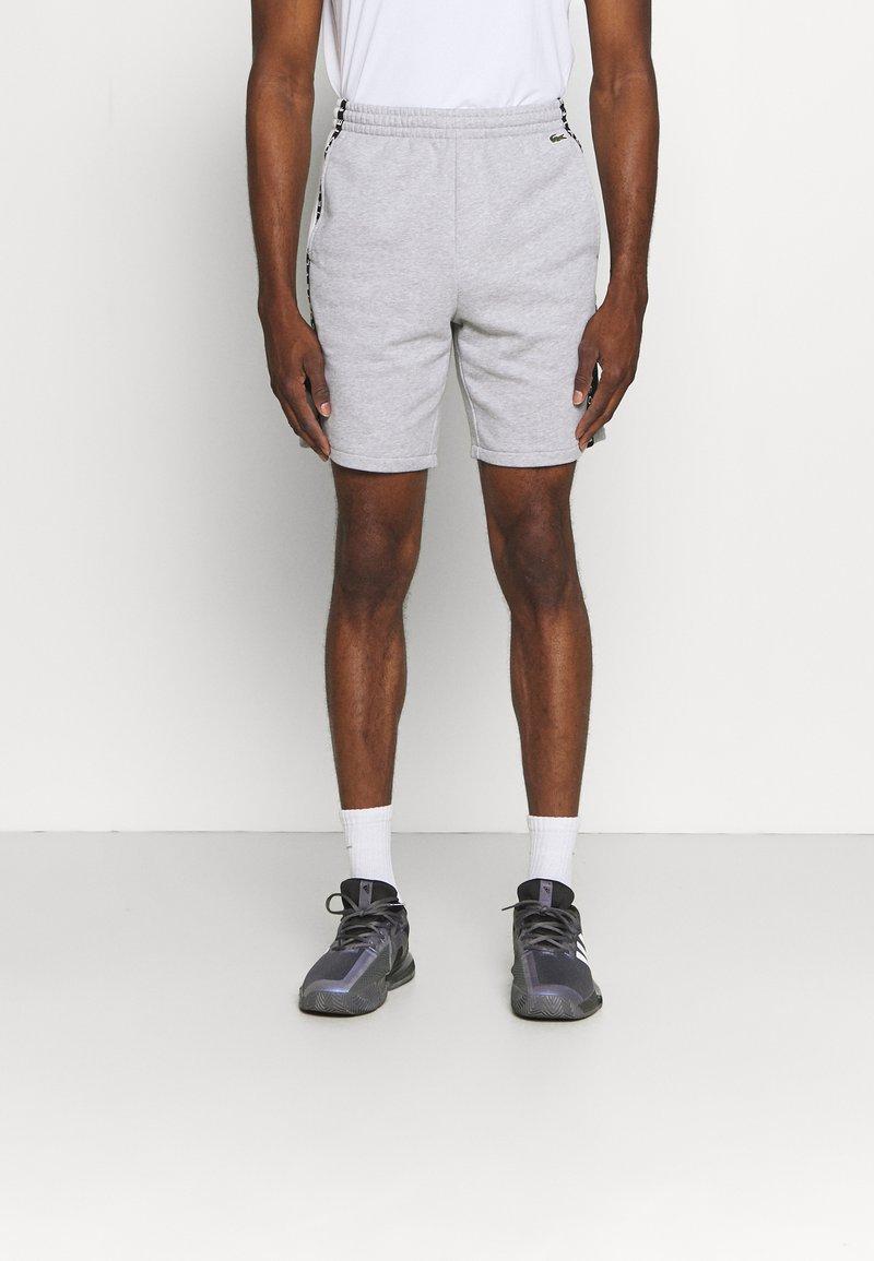 Lacoste Sport - SHORT  - Sports shorts - heidekraut grau/weiß/schwarz