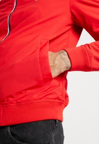 Tommy Jeans - ESSENTIAL JACKET - Summer jacket - racing red - 5