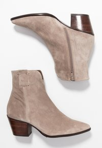 Pedro Miralles - Classic ankle boots - babysilk stone - 3