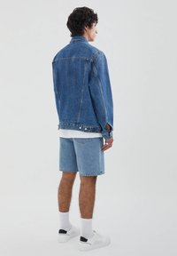PULL&BEAR - Džínová bunda - blue denim - 2