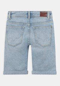Pepe Jeans - TRACKER  - Džínové kraťasy - denim - 1