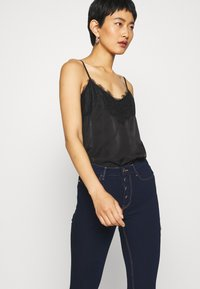 Guess - EXPOSED BUTTON - Jeans Skinny Fit - dark-blue denim - 3