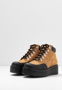 Vagabond - TARA - Ankle boots - golden oat - 4