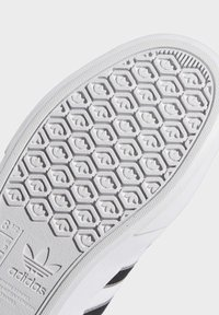 adidas Originals - DELPALA SHOES - Baskets basses - white - 8