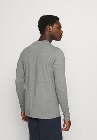 Jack & Jones - JACTROY  - Pyjama top - grey melange - 2
