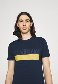 Antony Morato - SLIM FIT - Print T-shirt - avio blu - 3