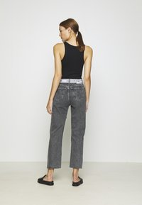 Calvin Klein Jeans - HIGH RISE STRAIGHT ANKLE - Jeans Straight Leg - grey denim - 2
