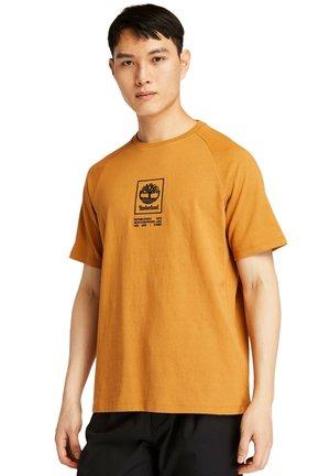 CORE STACK  - Print T-shirt - orange