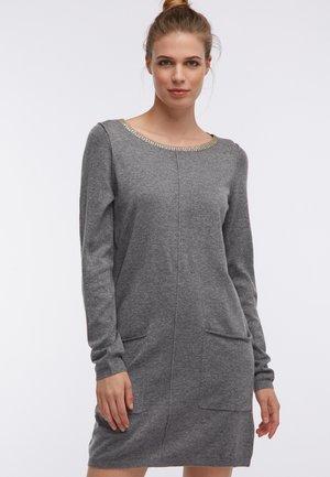 Pletené šaty - grau melange