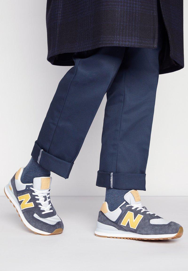 New Balance - 574 UNISEX - Zapatillas - grey