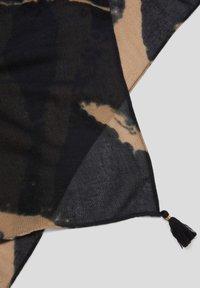 s.Oliver BLACK LABEL - Scarf - black aop - 4