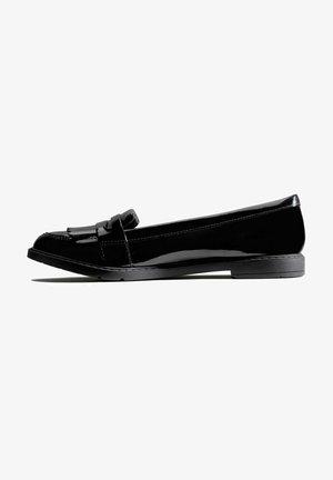 Ballet pumps - black patent