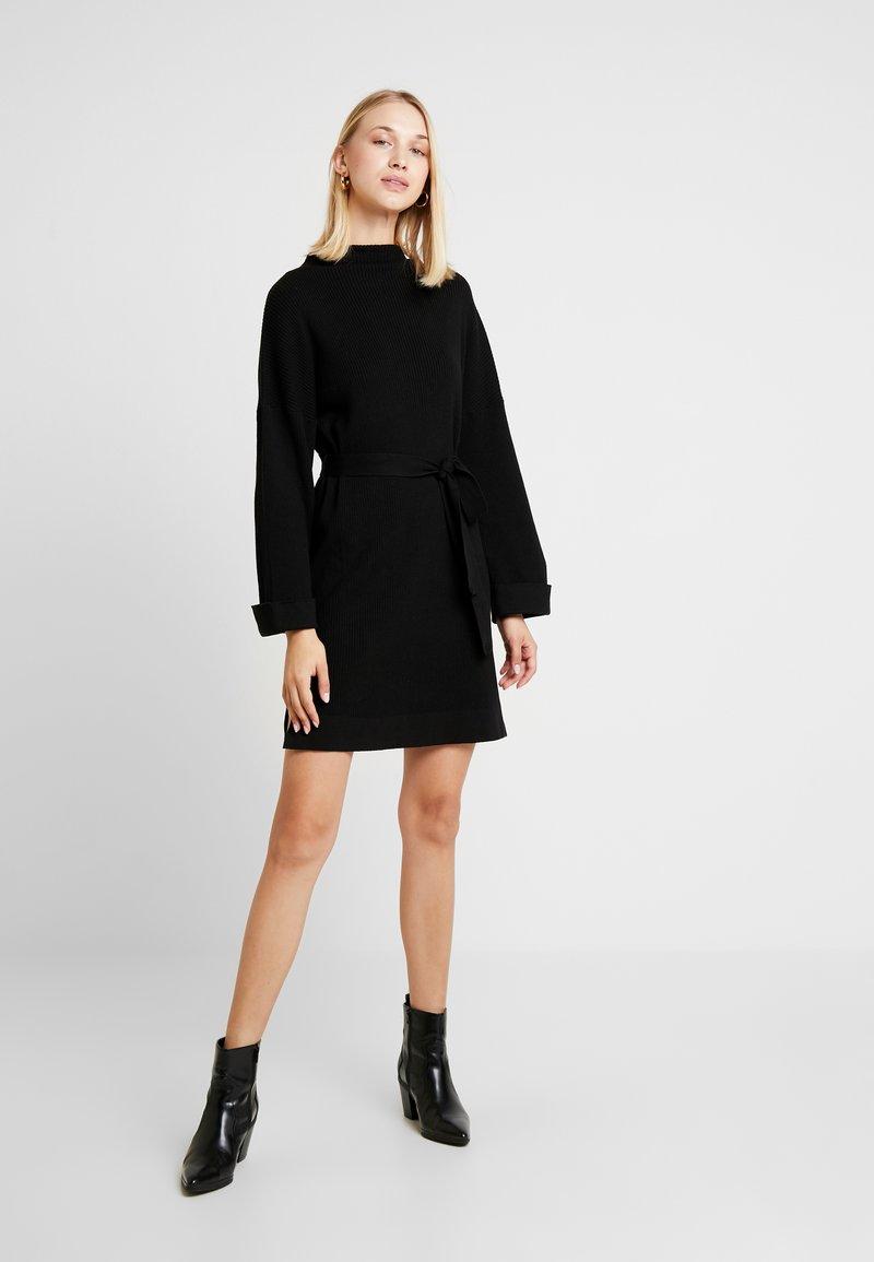 EDITED NATA DRESS - Strickkleid - schwarz GsE2az