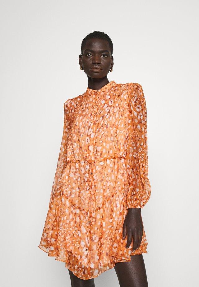 NATASHA LEOPARD DRESS - Shirt dress - amber glow multi