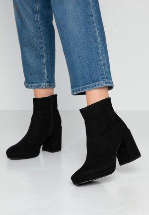 AMANTE PLATFORM BOOT - Platåstøvletter - black