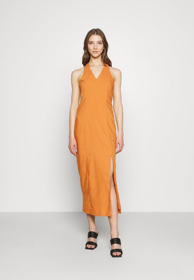 MAYA HALTER NECK DRESS - Długa sukienka - rust