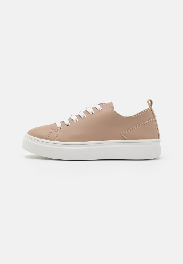 SOFT UPPER BASIC - Sneaker low - taupe