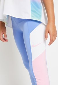 Nike Performance - TROPHY - Legging - royal pulse/pink/white - 5