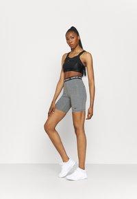 Nike Performance - SHORT HI RISE - Legging - smoke grey/black - 1
