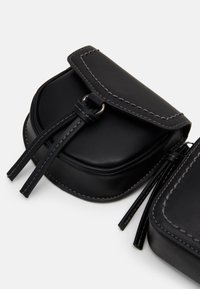 TOM TAILOR - LOTTA - Bum bag - black - 5