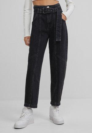 MIT GÜRTEL  - Relaxed fit jeans - dark grey