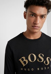 BOSS - TOGN  - Camiseta de manga larga - black/gold - 5