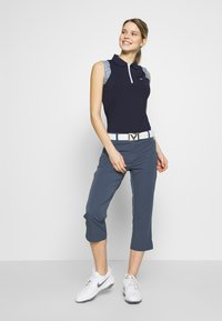 Calvin Klein Golf - ARKOSE CAPRI - 3/4 sports trousers - navy - 1