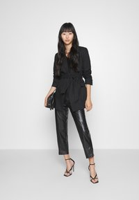 Even&Odd - HIGH WAISTED PU STRAIGHT LEG TROUSERS - Trousers - black - 1