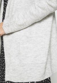ONLY - ONLSIMONE CARDIGAN - Cardigan - light grey melange - 5