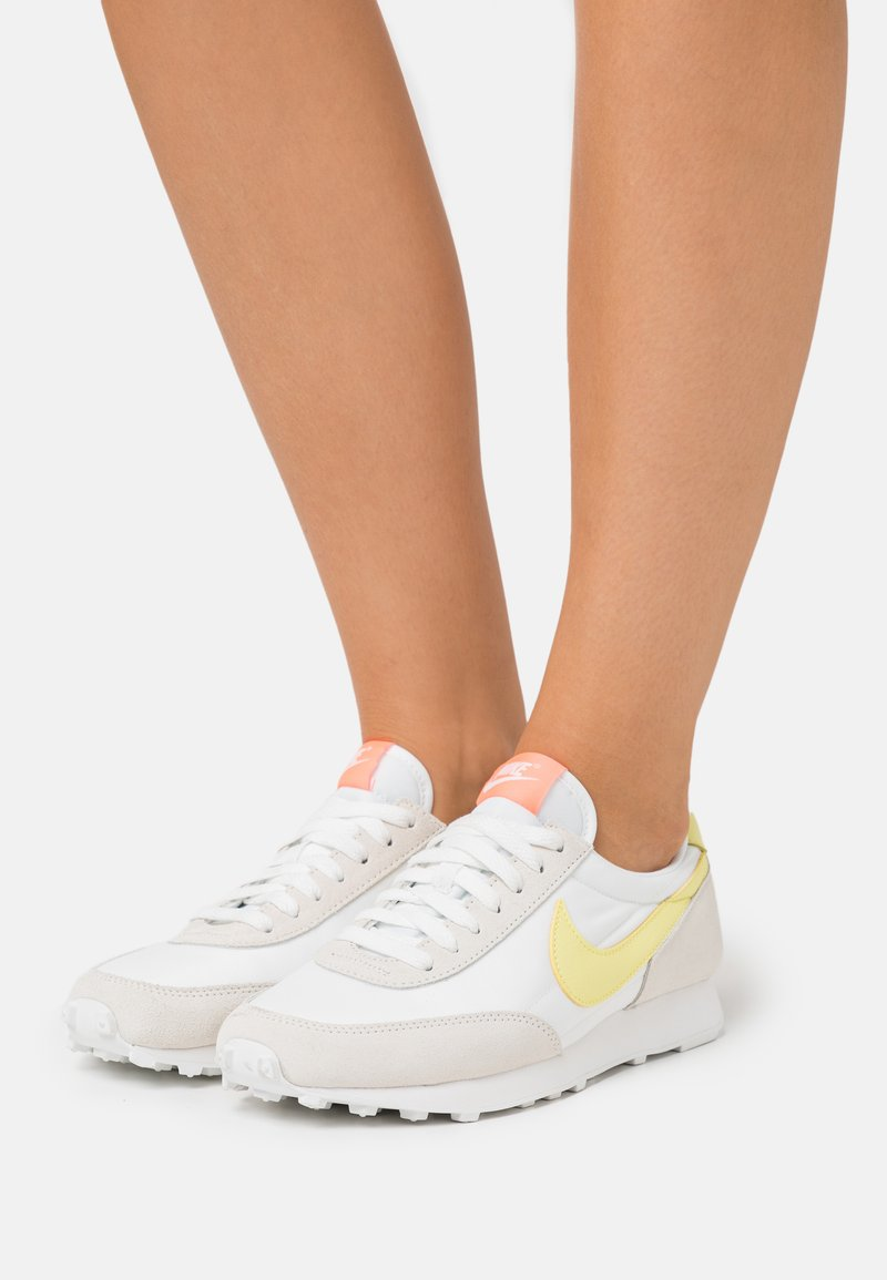 Nike Sportswear - DAYBREAK - Trainers - pale ivory/light zitron/bright mango
