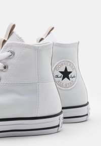 Converse - CHUCK TAYLOR ALL STAR UTILITY WEBBED UNISEX - Baskets montantes - white/string/black - 5