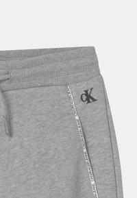 Calvin Klein Jeans - LOGO PIPING - Træningsbukser - grey - 2