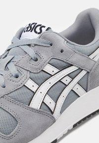 ASICS SportStyle - LYTE CLASSIC UNISEX - Sneakers - sheet rock/white - 5