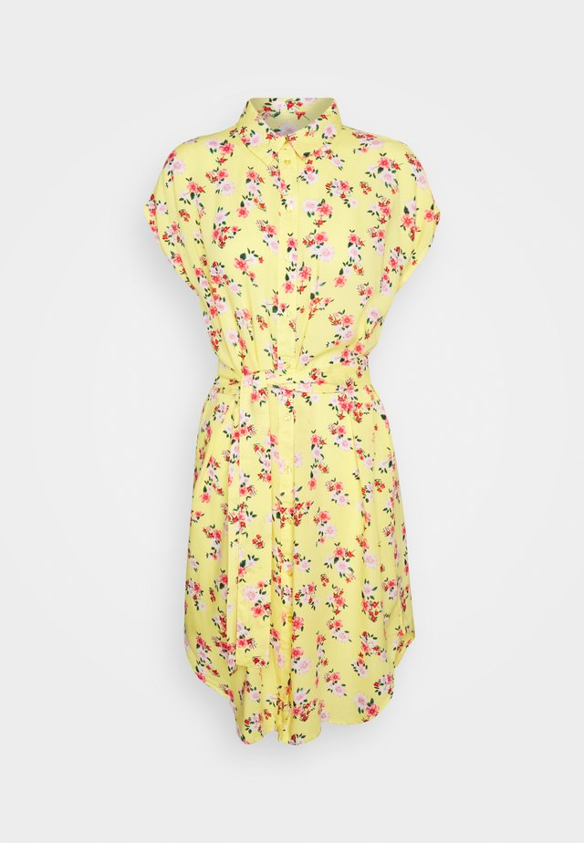 PCNYA DRESS - Shirt dress - lemon drop