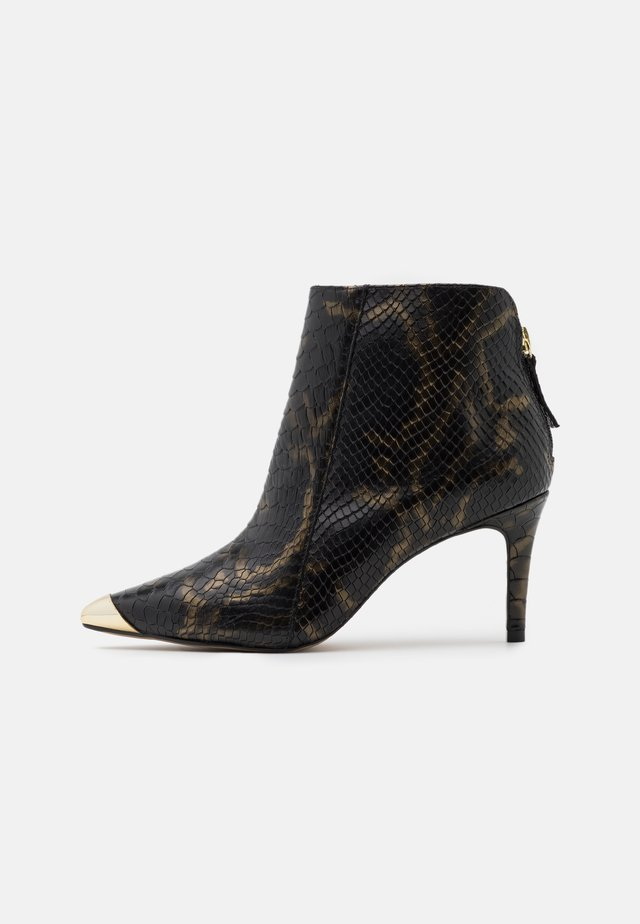 VILENCIA - Ankle Boot - black/gold