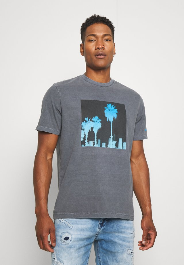WASH TEE - T-shirt con stampa - black obsidian