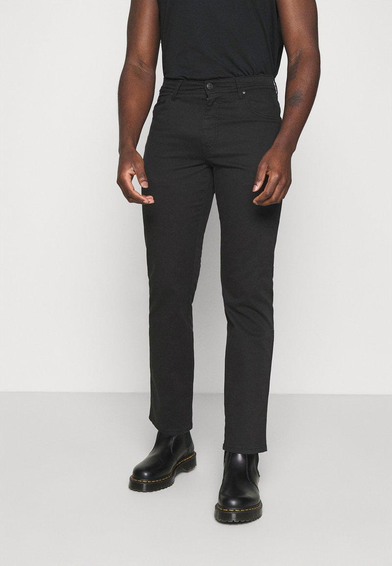 Wrangler - TEXAS - Jeans straight leg - black