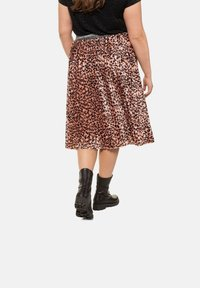 Studio Untold - A-line skirt - papaya - 1