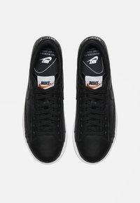 Nike Sportswear - BLAZER - Trainers - black /white - 1