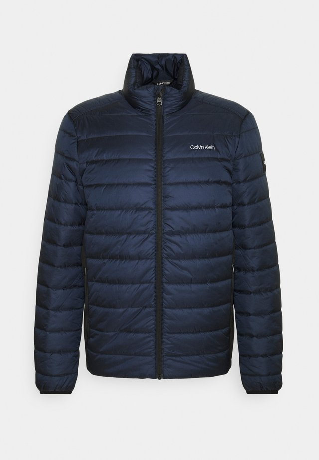 ESSENTIAL SIDE LOGO JACKET - Winter jacket - navy
