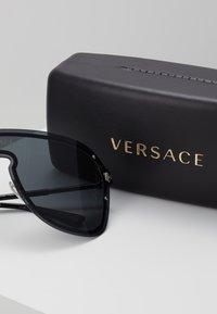 Versace - Sluneční brýle - grey - 3