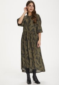 Kaffe - KADARLY - Robe d'été - capulet olive feather print - 0