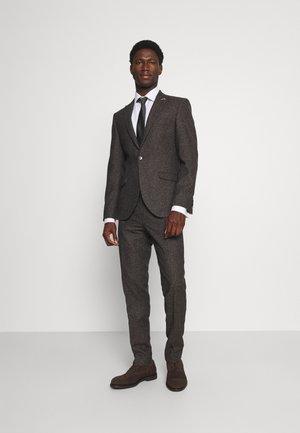 CRANTON SUIT - Suit - brown