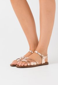 New Look Wide Fit - WIDE FIT GEANETTE 2 PART SANDAL - Sandales - rose gold - 0
